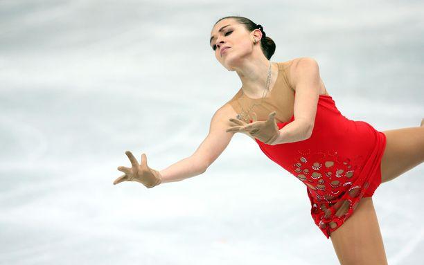 Adelina Sotnikova intoutui luistelemaan jäätyneellä Baikaljärvellä ja muistelemaan viiden vuoden takaista menestystään.
