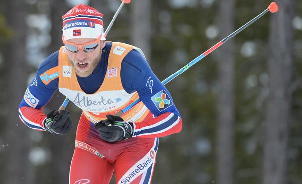 Martin Johnsrud Sundby kilpailee Rukalla.
