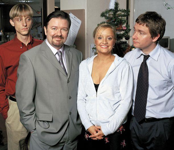 Alkuperäinen Konttori nosti tähdeksi sen pääkasvon ja luojan Ricky Gervaisin (toinen vas.).