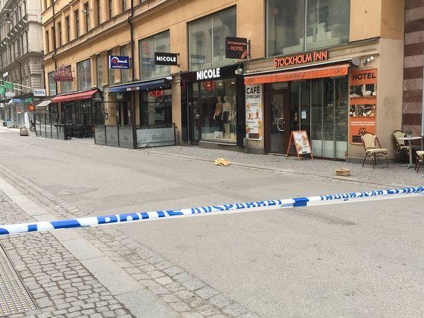 Poliisi eristi osan Tukholman ydinkeskustasta lauantaina.