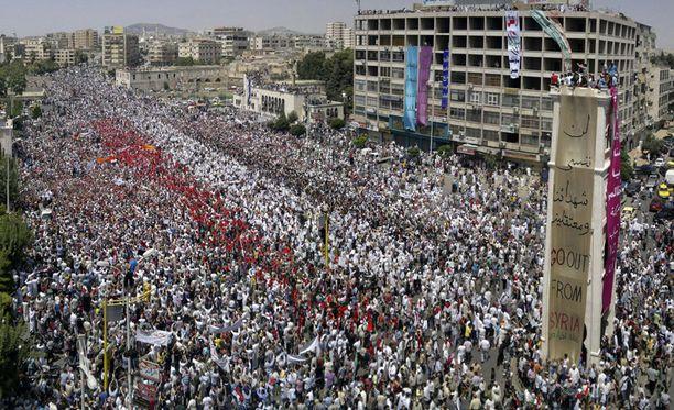 Hamassa on järjestetty massiivisia mielenosoituksia Syyrian hallintoa vastaan.