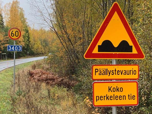 Suinulan tien varteen on ilmestynyt kovin erikoinen liikennemerkki.