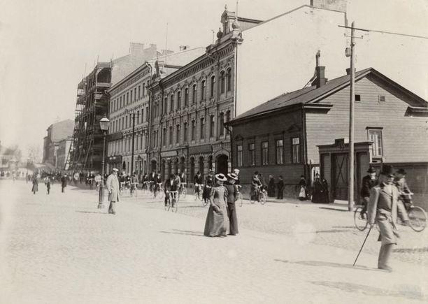 Mikonkatu vuonna 1898.