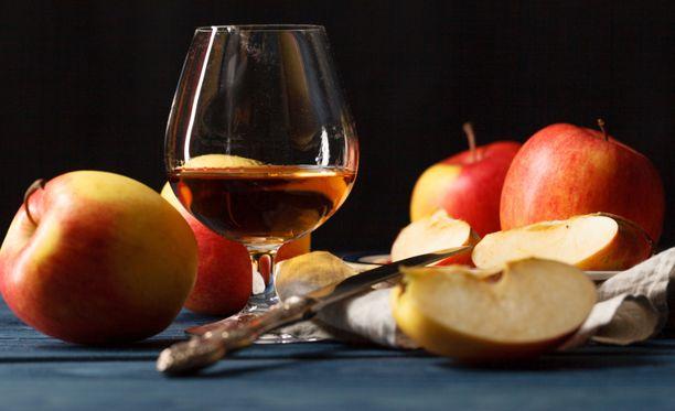 Alkoholi aiheuttaa Suomessa vuosittain arviolta jopa 1200 syöpää.
