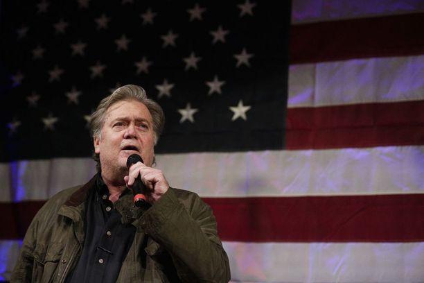 Valkoisen talon entinen päästrategi piti Mooren voittoa Strangesta osoitukseksi hänen edustamansa politiikan suosiosta.