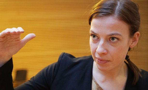 Li Andersson on huolissaan sote-pisteytykseen liittyvästä julkisten ja yksityisten rekisterien yhdistämisestä.