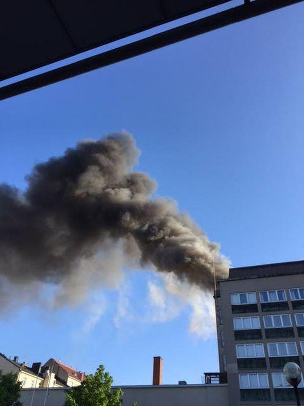 Rakennuspalo Porissa saattoi alkaa vapaamuurareiden tiloista. Temppeli tuhoutui täysin.