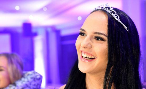 Teija Tolvanen häkeltyi Miss Ouluksi valitsemisesta.