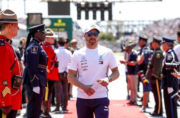 Valtteri Bottaksen ero Lewis Hamiltoniin kasvoi 29 pisteeseen.