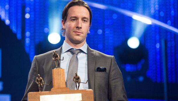 Kim Hirschovits palkittiin viime kaudella Liigan pistepörssin voittajana ja runkosarjan parhaana pelaajana.