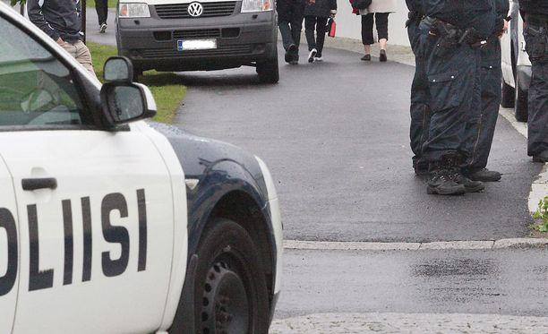 Poliisi jatkaa tehostettua yleisen järjestyksen valvomista Hanhikiven alueella. Kuvituskuva.