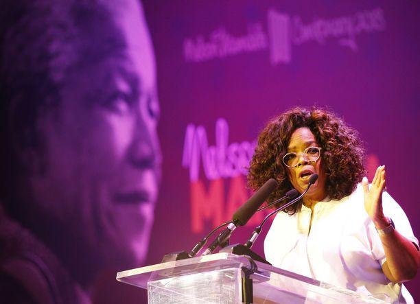 Applen uuden suoratoistopalvelun kovin nimi lienee Oprah Winfrey, joka palaa uuden ohjelman myötä parrasvaloihin.