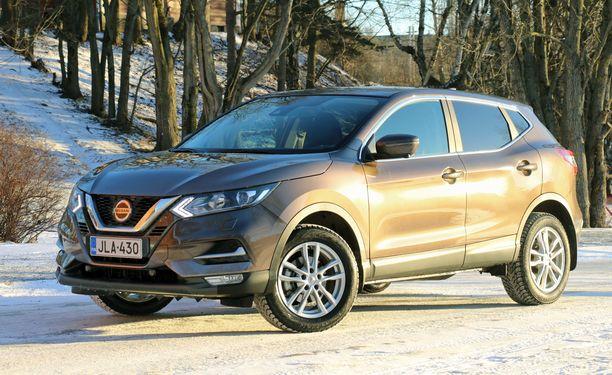 """Talviaurinko muodostaa kultaisen pinnan automaailman viimevuotisen """"kultakypärän"""" haltijalle."""