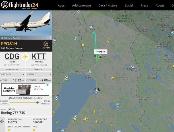 Flightradarin kuvassa näkyy, kuinka Kittilän lähellä ollut matkustajakone kääntyi kohti Rovaniemeä.