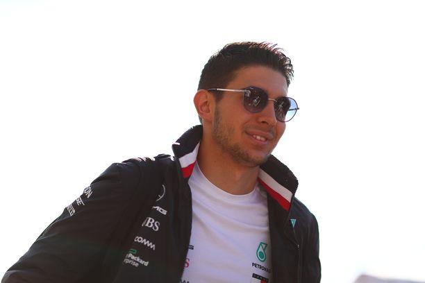 Esteban Oconin sopimus Renault'n kanssa on kaksivuotinen.