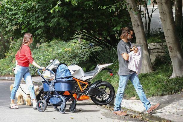Hollywoodin suosituimpiin miesnäyttelijöihin lukeutuva Bradley Cooper ja huippumalli Irina Shayk kesäkuussa.