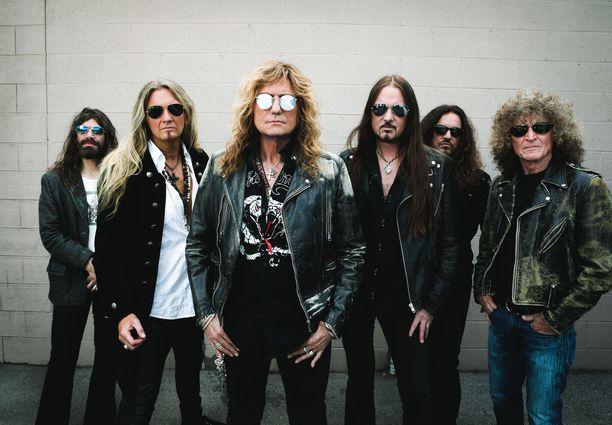 Whitesnake esiintyy toukokuussa Suomessa.