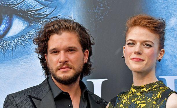Kit Harington ja Rose Leslie tapasivat Game of Thronesin kuvauksissa.