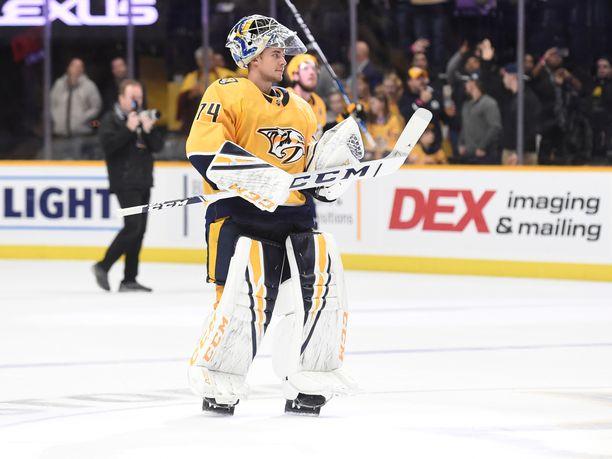 Juuse Saros edustaa NHL:ssä Nashville Predatorsia.