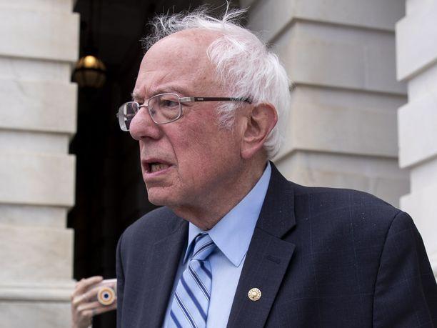 Senaattori Bernie Sanders ei ole vielä valmis luopumaan presidenttiaaveistaan, mutta on antanut ymmärtää suhtautuvansa avomielisesti kisasta vetäytymiseen.