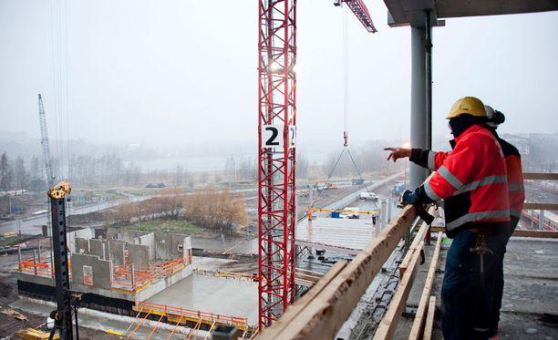Opetus- ja kulttuuriministeriön arvion mukaan rakennusalalta poistuu vuoteen 2025 mennessä yli 66 000 henkilöä.