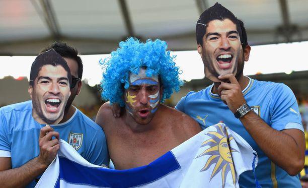 Ainakin MM-kisaturistit ja brittiläinen elintarvikevalmistaja uskovat, että Suárez-toistohuumori naurattaa edelleen.