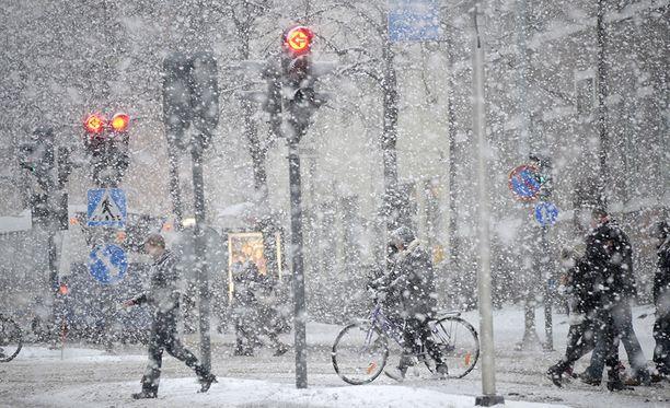 Sää muuttuu ensi viikon aikana hyvinkin nopeasti talvisesta lämpimämmäksi.