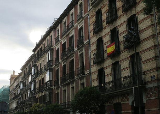 Vanhus asui Salamancan kaupunginosassa. (Kuvituskuva)