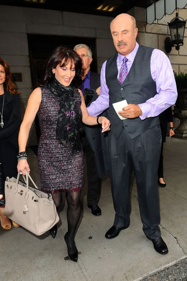 Dr. Phil on ollut naimisissa lähes 40 vuotta Robin-vaimonsa kanssa.