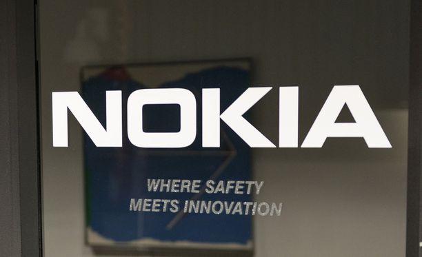 Finnvera takaa ja rahoittaa Nokian ja yhdysvaltalaisen Verizonin verkkolaitekauppaa 1,3 miljardin euron edestä.