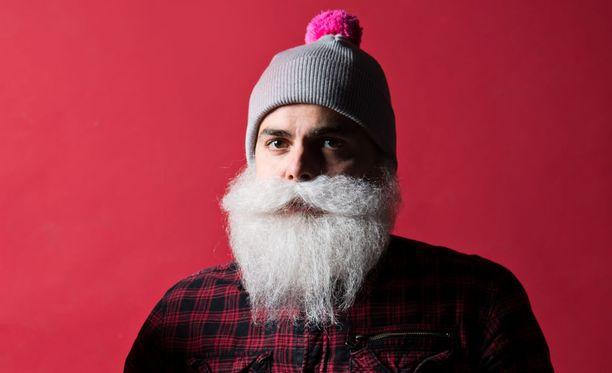 Brother Christmas hahmon takana toimivan Ari Koposen lähettämien yksityisviestien sisältö on herättänyt huomiota mediassa.