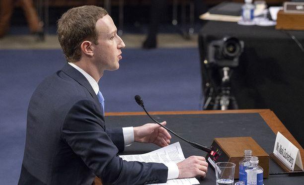 Facebookin perustaja Mark Zuckerberg uskoo, että sosiaalisen median sääntely on väistämätöntä.
