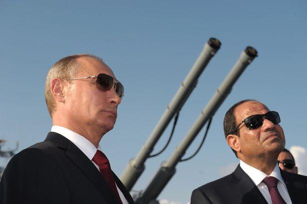 Putin vieraili Egyptin presidentti al-Sisin kanssa Moskvan kannella viime vuoden elokuussa.