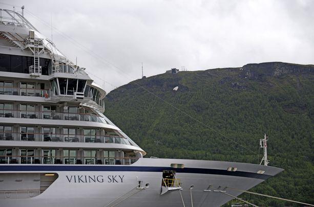 Viking Sky saapui Molden satamaan sunnuntaina iltapäivällä.