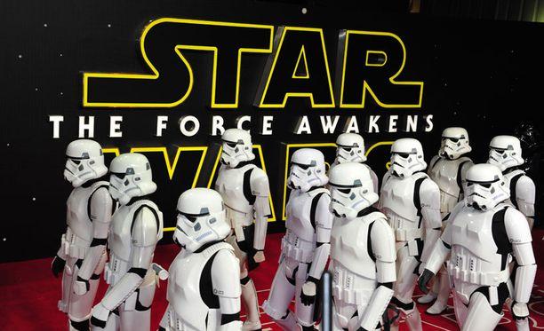 Uuden Tähtien sota -elokuvan ensi-ilta Lontoossa.