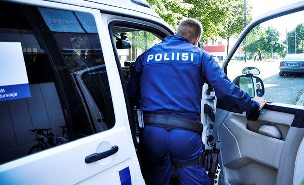 Poliiseja näkyy nyt normaalia enemmän katukuvassa.