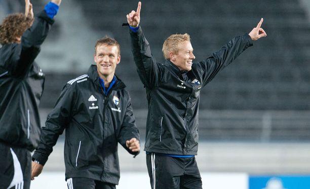 Mikael Forssell (oik.) ja Mika Väyrynen saattavat pelata ensi kaudella yhdessä.