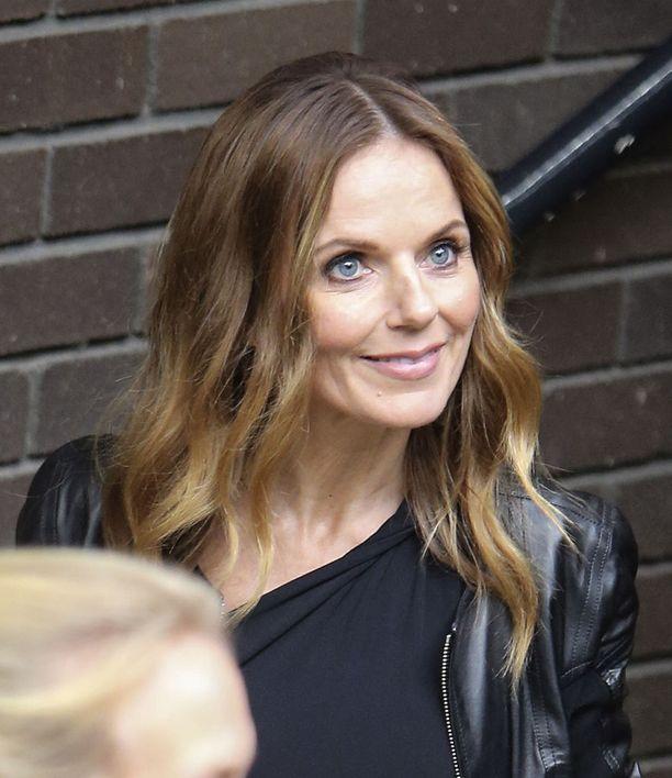 Geri Horner (os. Halliwell) kokeili siipiään soolouralla Spice Girlsin hajottua. Halliwell meni naimisiin Christian Hornerin kanssa vuonna 2015. Pariskunnalla on yksi yhteinen lapsi.