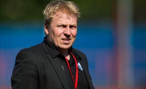 HJK:n toimitusjohtaja Aki Riihilahti neuvotteli Uefassa suomalaisseurojenkin tulevaisuudesta eurocupeissa.