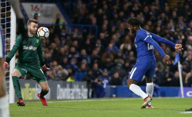Michy Batshuayi katkaisi Chelsean yli viiden tunnin maalittoman putken.