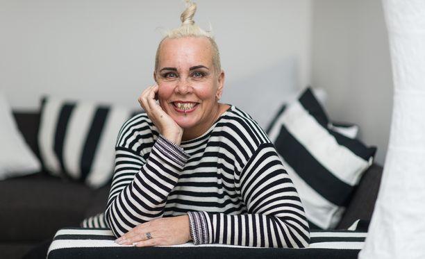 Wilma Schlizewski asuu nykyisin miehensä Olli Väätäisen kanssa osittain Tallinnassa, minne Wilma perusti romukaupan.