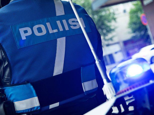 Henkilöauto törmäsi polkupyöräilijään torstaina Porissa. Kuvituskuva.