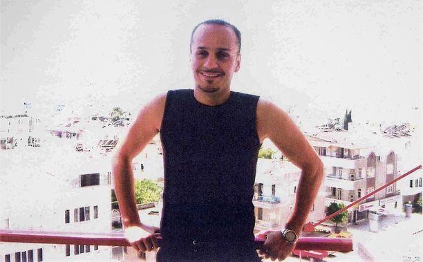 Ruotsalainen Volkan Ünsal murhattiin Helsingissä lokakuussa 2003. Teko oli kosto ja sen takana oli kovan luokan rikollisia.
