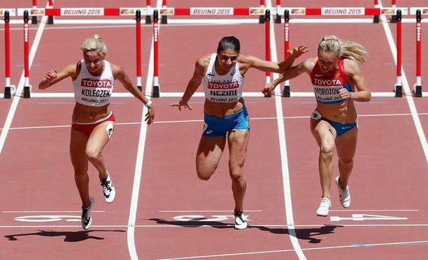 Karolina Koleczek, Nooralotta Neziri ja Nina Morozova juoksivat samassa alkuerässä.