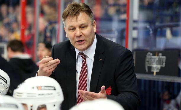 Raimo Summasen edellinen valmennuspesti oli toissa kaudella KHL:n Avangard Omskissa.