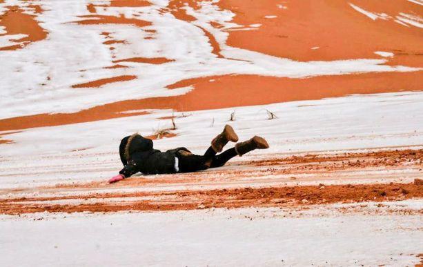 Pienessä algerialaisessa Ain Sefran aavikkokaupungissa satoi lunta nyt toista kertaa neljänkymmenen vuoden sisällä.