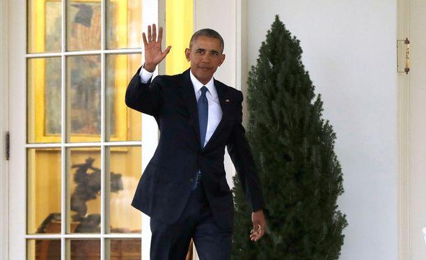 Yhdysvaltain väistyvä presidentti Barack Obama poistui Valkoisen talon työhuoneestaan perjantaina ennen vallanvaihtoseremoniaa.