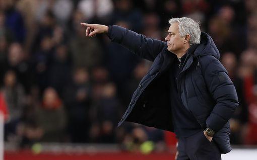 Englannin cupin pytty kiinnostaa Mourinhoa - pystyykö Middlesbrough kiusaamaan jättiläistä enää toista kertaa?