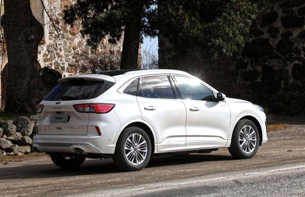 Uusi Ford Kuga Plug In Hybridi Ensikoeajossa