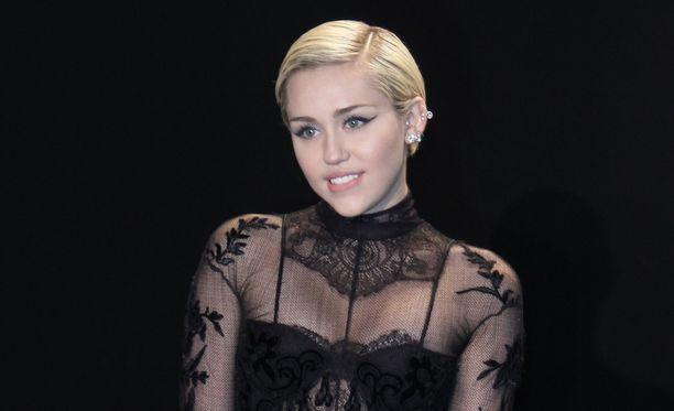 Miley Cyrus ei ole suosituimpien jenkkijulkkisten joukossa.